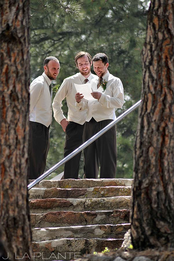 J. La Plante Photo | Boulder Wedding Photographer | Sunrise Amphitheater Wedding | Groomsmen Practicing Speeches