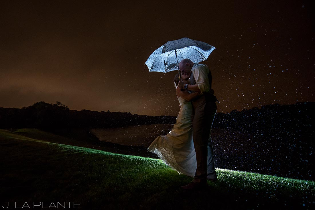 J. LaPlante Photo | Kalamazoo Wedding Photographer | Kalamazoo Country Club Wedding | Bride and Groom in the Rain