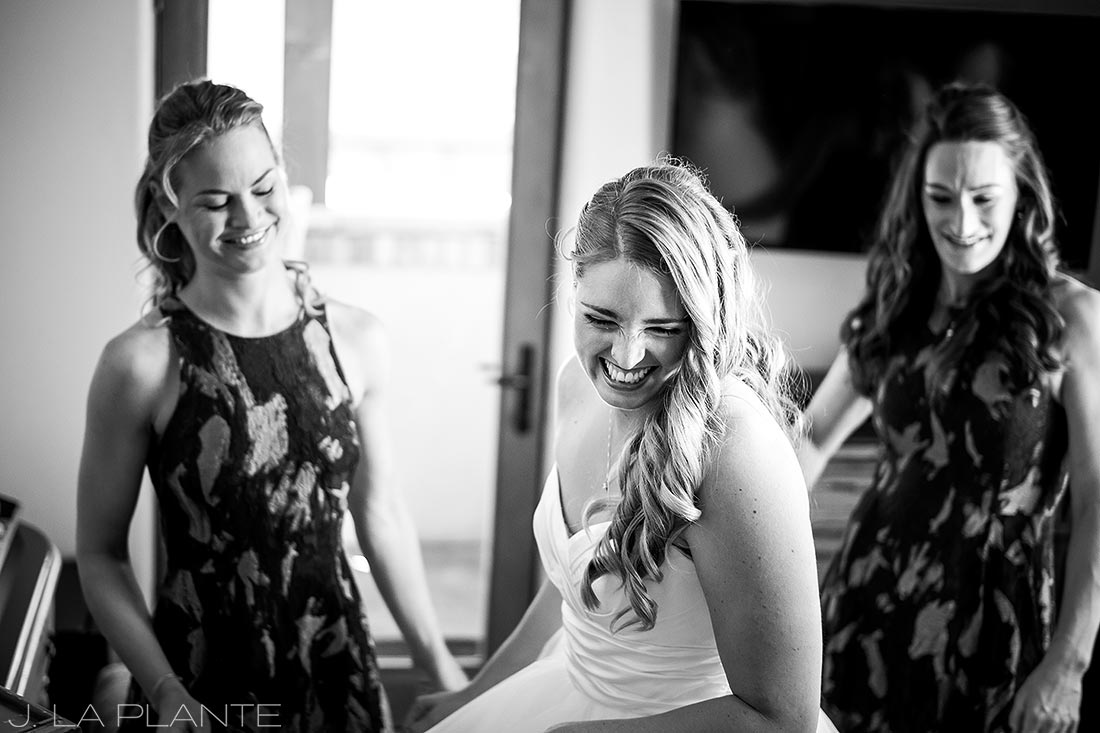 Bride getting ready | Fall wedding at Della Terra | Estes Park wedding photographers | J. La Plante Photo
