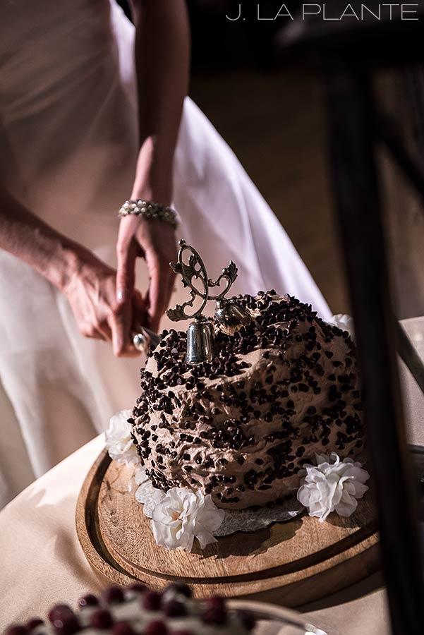 Cake cutting | Chief Hosa Lodge wedding | J. La Plante Photo | Denver Wedding Photographers