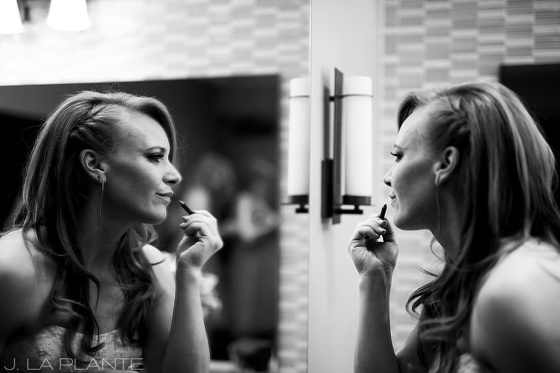 Mount Vernon Country Club Wedding   Bride putting lipstick on   Denver wedding photographer   J La Plante Photo