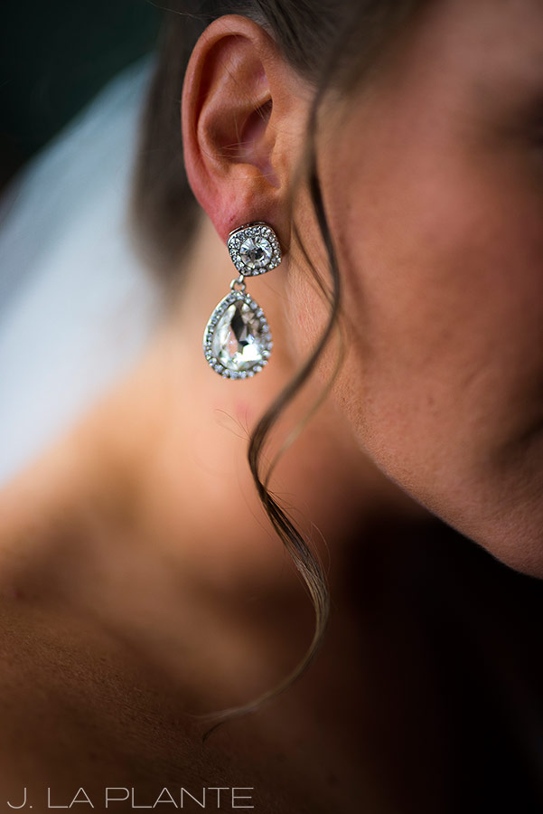 Boettcher Mansion wedding | Bridal earrings | J La Plante Photo | Denver Wedding Photographer