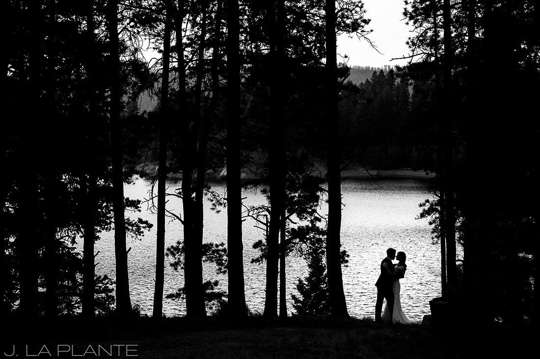 Edgewood Inn Wedding   Colorado Springs Wedding Photographer   Bride and groom at Rampart Reservoir   J La Plante Photo