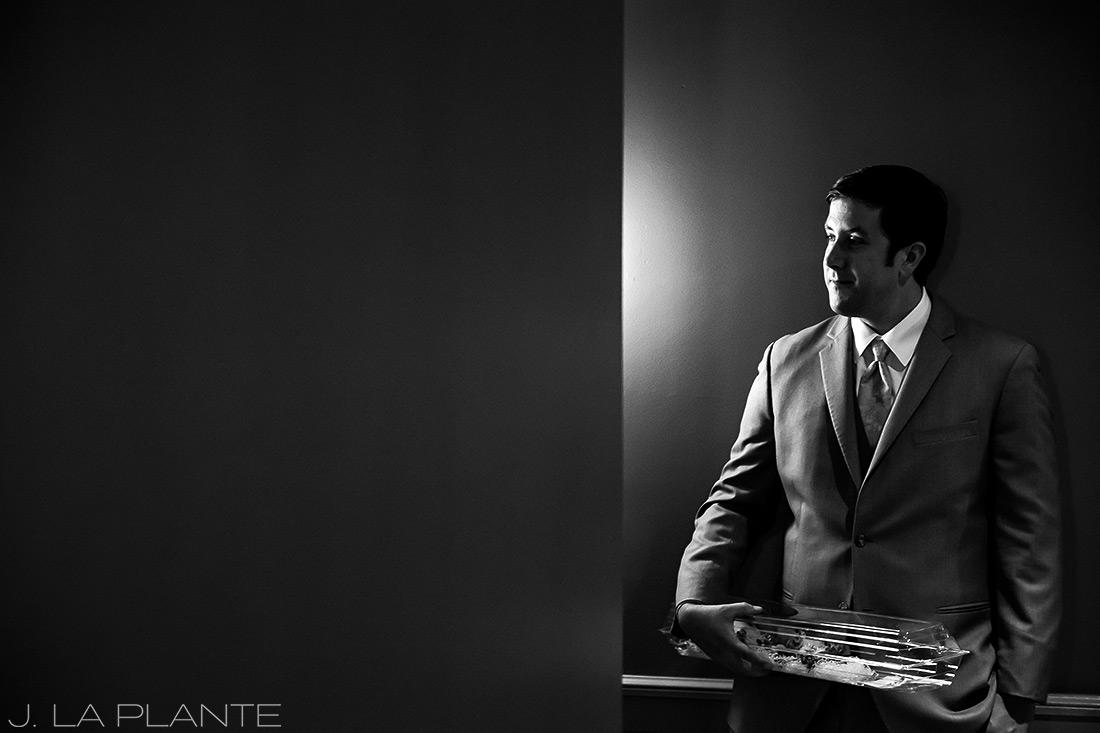 Seattle wedding | Groom waiting | Seattle destination wedding photographer | J La Plante Photo