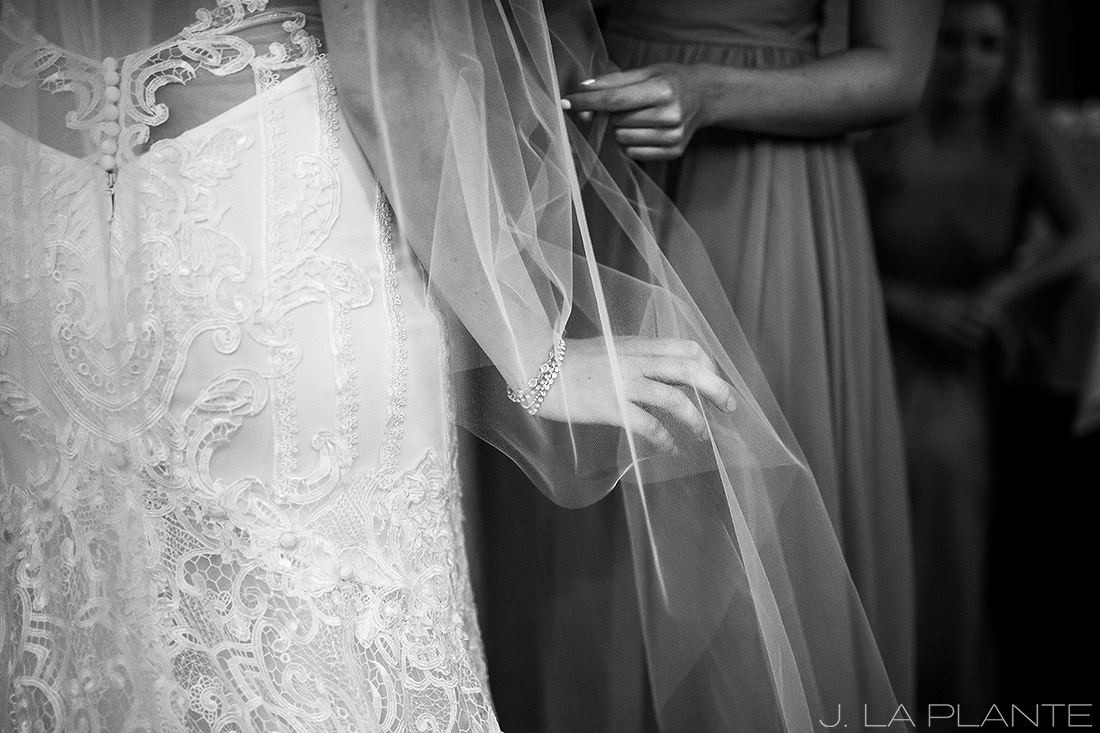 Greenbriar Inn wedding | Wedding veil | Boulder wedding photographer | J La Plante Photo