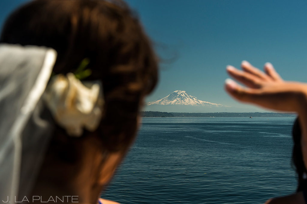 Vashon Island Wedding | View of Mount Rainier | Seattle destination wedding photographer | J La Plante Photo