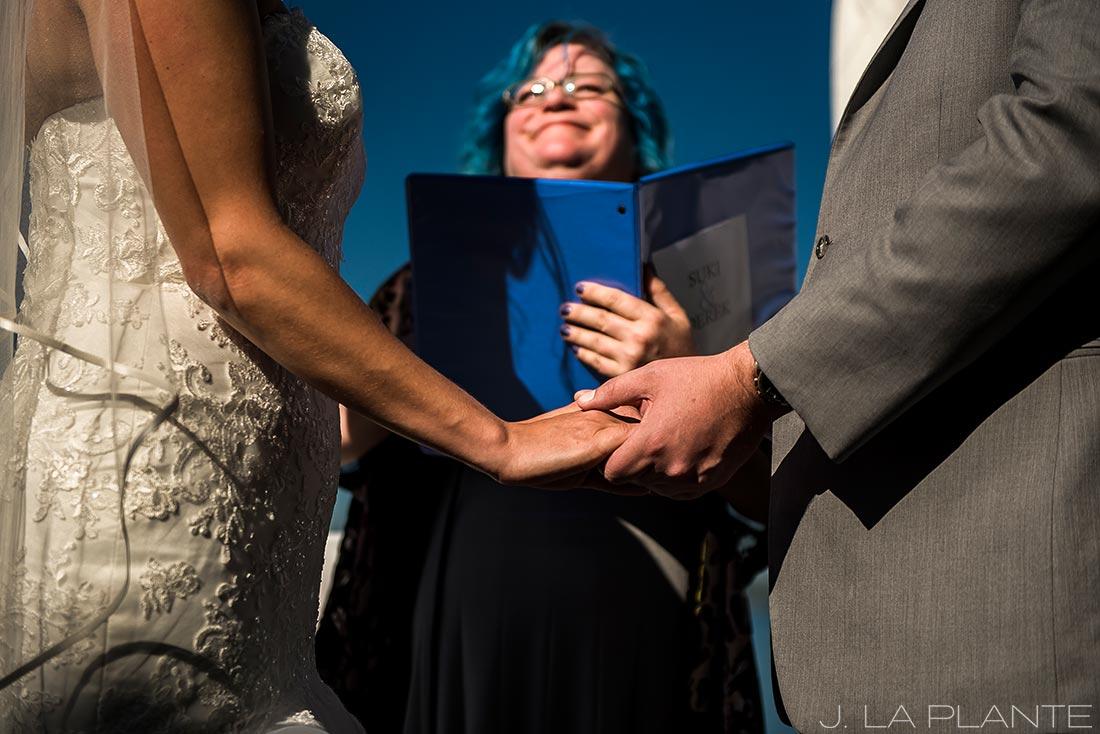 Vashon Island Wedding | Wedding ceremony | Seattle destination wedding photographer | J La Plante Photo