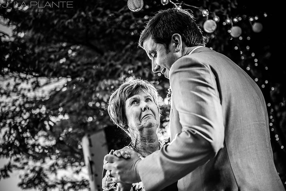 Vashon Island Wedding | Mother of the groom dance | Seattle destination wedding photographer | J La Plante Photo