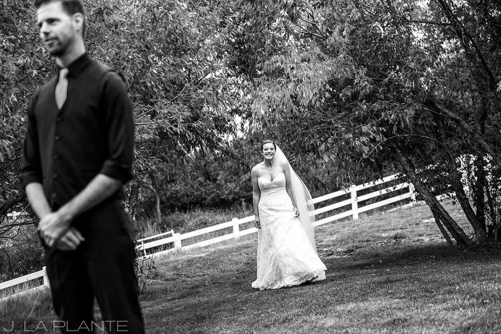 Crooked Willow Farms Wedding   First look   Colorado Wedding Photographer   J La Plante Photo
