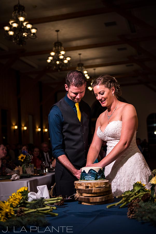 Crooked Willow Farms Wedding | Cake cutting | Colorado Wedding Photographer | J La Plante Photo