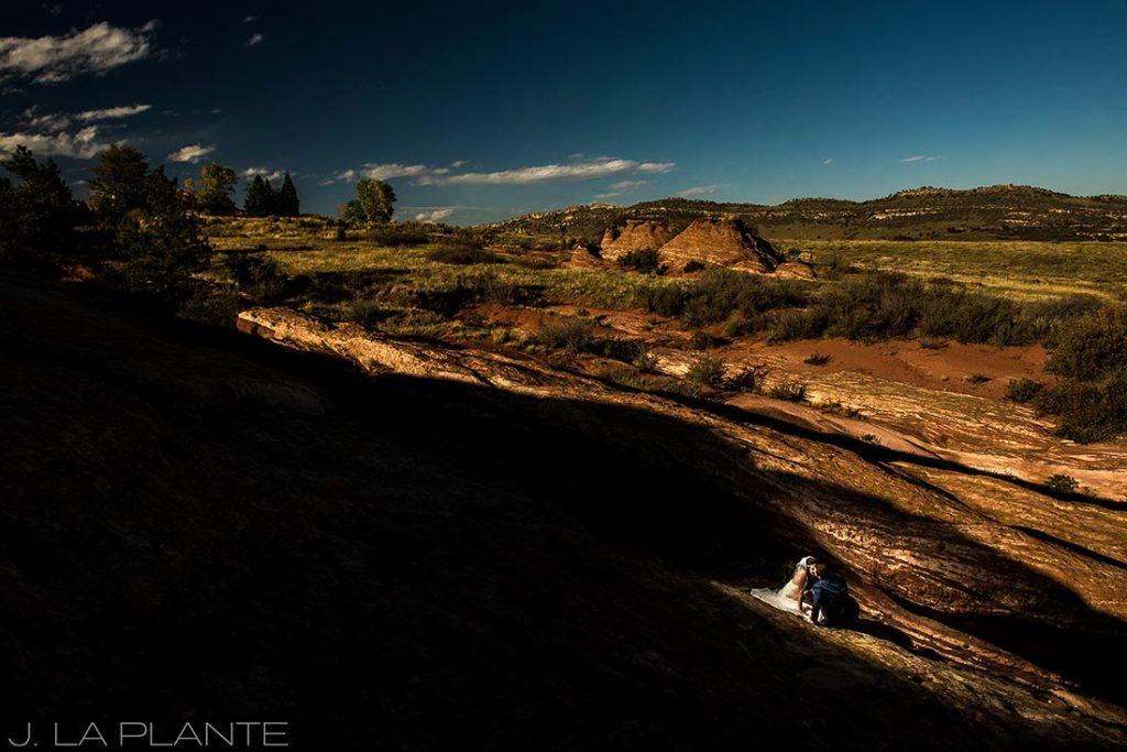 Willow Ridge Manor Wedding | Bride and groom on red rocks | Denver wedding photographer | J La Plante Photo
