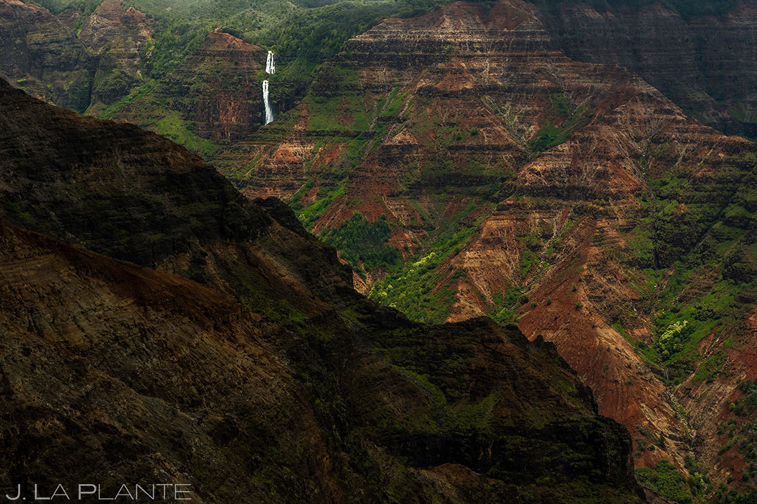 waterfall in waimea canyon