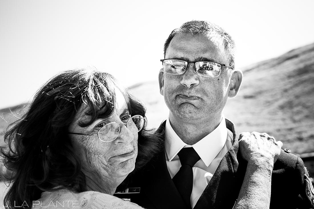 groom hugging his mother