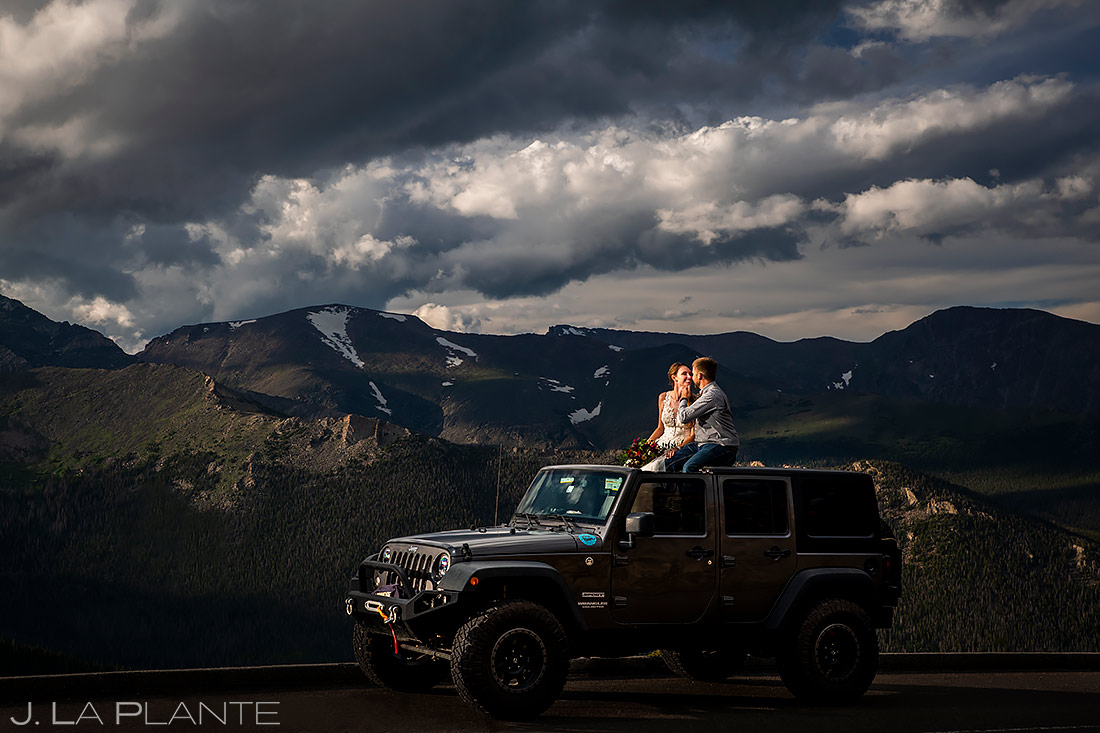 Bride and Groom in Jeep | Estes Park Wedding | Rocky Mountain National Park Wedding Photographer | J. La Plante Photo