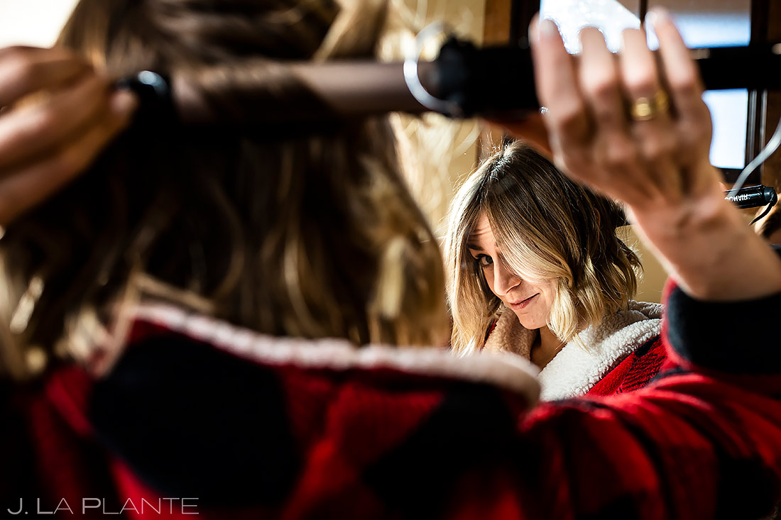 Maid of Honor Getting Ready | Lodge at Cathedral Pines Wedding | Colorado Springs Wedding Photographer | J. La Plante Photo