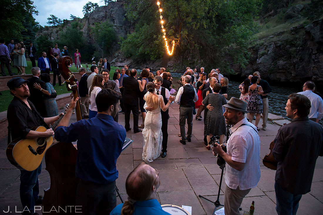 how to choose your wedding venue | River Bend wedding bride and groom first dance