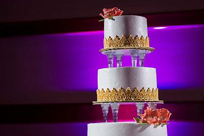 cheyenne mountain ranch wedding cake