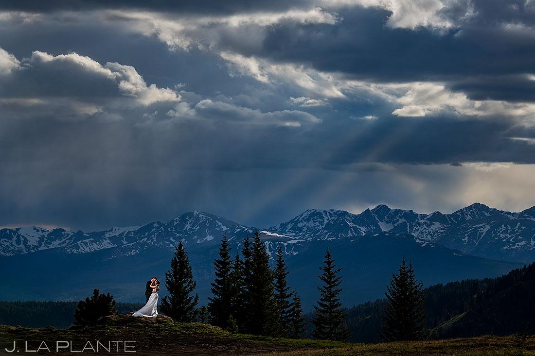unique wedding photos vail mountain elopement