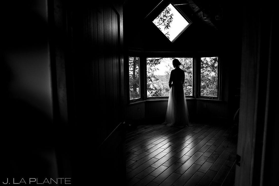 bride waiting to elope in colorado