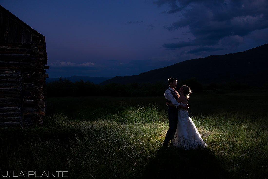 blue hour wedding photos at twin lakes inn