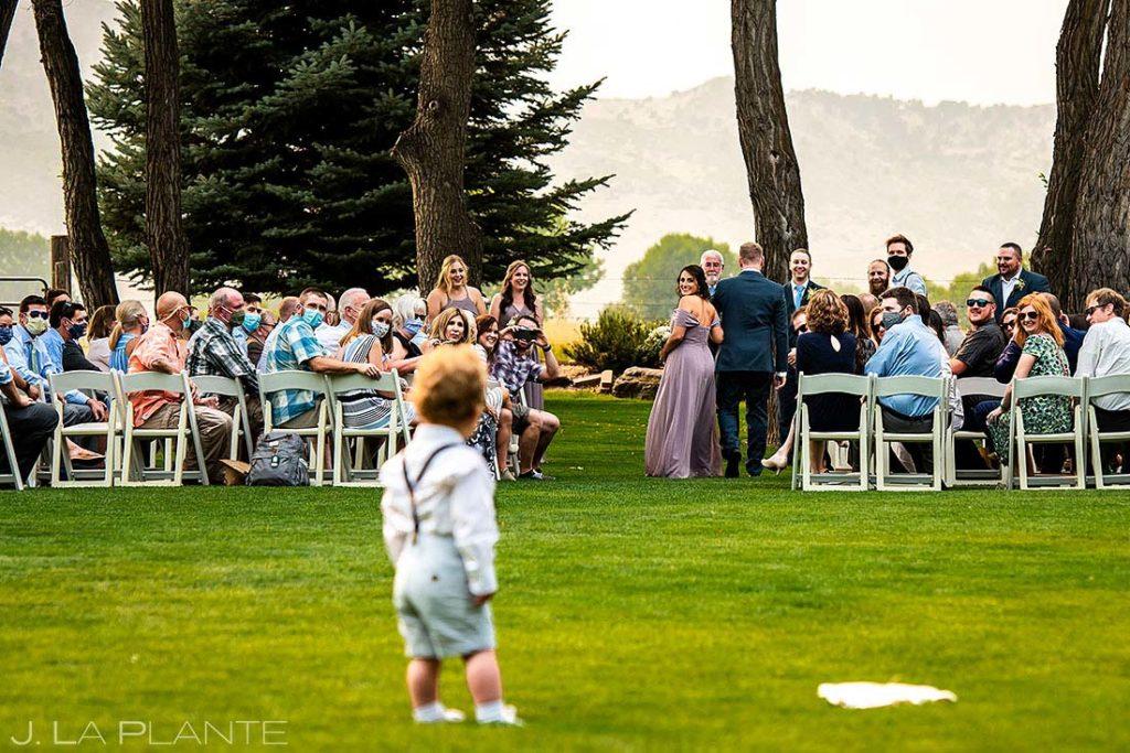 funny wedding moments at summer wedding at Shupe Homestead