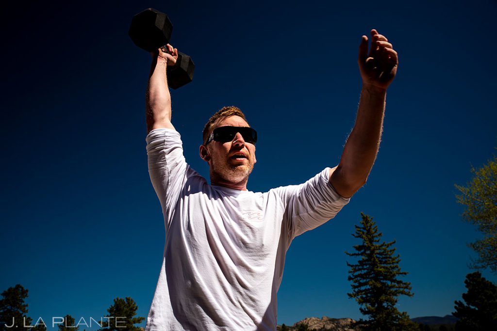 groom working out before spring wedding at Black Canyon Inn