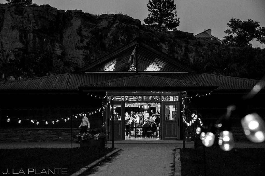 outddoor mountain wedding venue in Lyons, Colorado